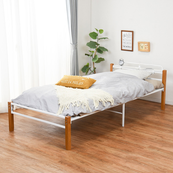 ベッド シングル 宮棚 コンセント スチールパイプ 木製 天然木 収納 メッシュ床 ( 送料無料 シングルベッド ベット パイプベッド ベッドフレーム フレーム パイプ ホワイト 通気性 湿気 対策 ベッド下収納 おしゃれ 宮付き )