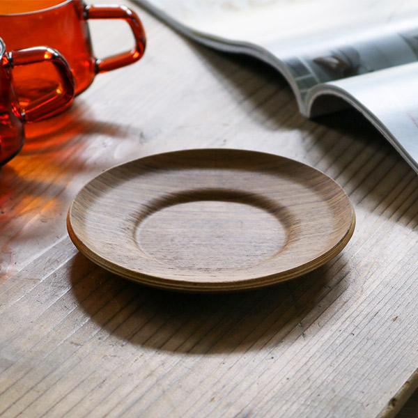 どこか懐かしいアンティーク品のようなセピアシリーズ キントー KINTO 好評 ソーサー 13cm SEPIAシリーズ 食器 木製 北欧 ノンスリップ 滑り止め 菓子皿 お皿 小物トレイ 木目調 お歳暮 プレート トレイ おしゃれ ミニ トレー 木目 小皿 皿