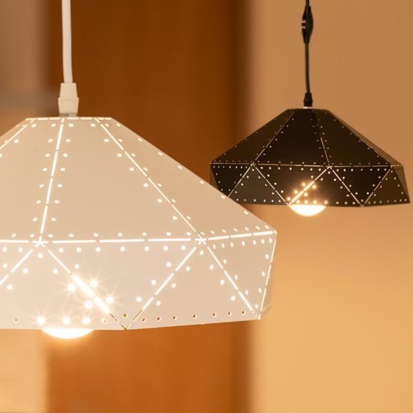 照明 1灯 ペンダントライト LED対応 天井照明 八角形 パンチング ( 送料無料 照明器具 ライト ペンダント 天井 ダイニング 廊下 玄関 階段 吹き抜け LED 電球 引っ掛けシーリング ホワイト ブラック )