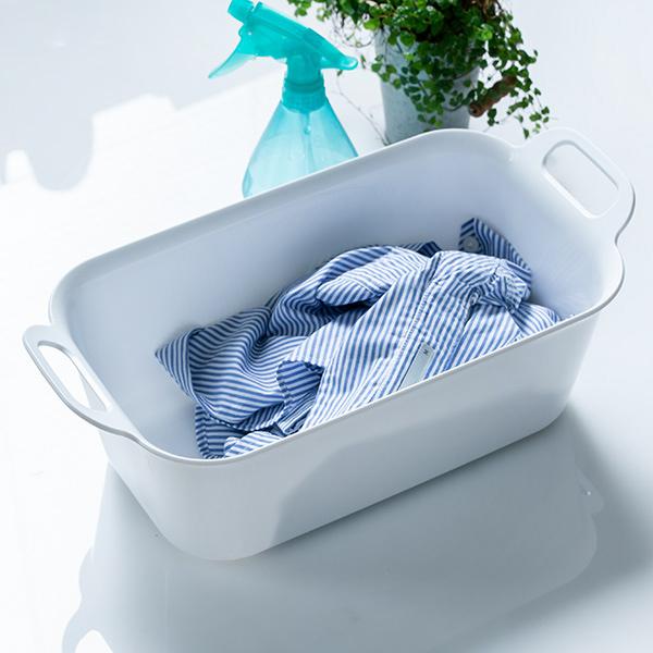 収納にも便利なシンプルデザイン 洗濯用たらい 7L Arao 洗い桶 タライ 毎日激安特売で 営業中です たらい バケツ バスケット 四角 持ち手付き つけ置き 白 靴 洗濯物 おしゃれ 予洗い 足湯 在庫一掃 スニーカー プラスチック シューズ 服 日本製