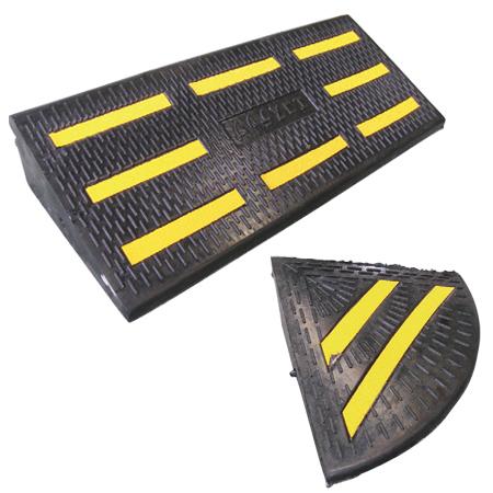 段差プレート エコステップセット 反射シール付 再生ゴム製 ( 送料無料 駐車場用品 段差スロープ )