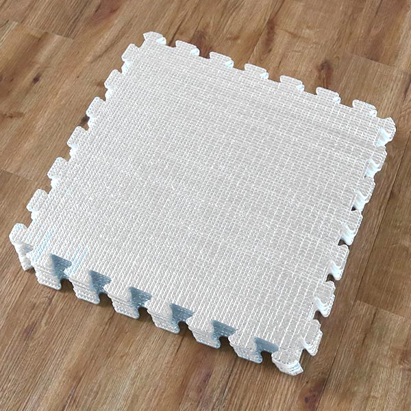 保温席能接在一起的arumihottommatto防虱子加工45*45cm 8张装(断热席保温垫子铝垫子能接在一起的断热地板地毯热的地毯断热节能)