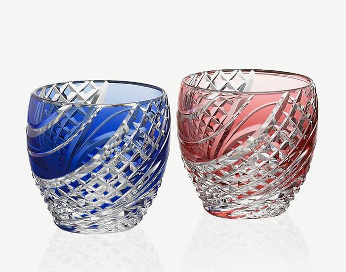 カガミクリスタル KAGAMI CRYSTAL #2591 ペア 江戸切子 冷酒杯 赤青 80cc <魚子流し 紋> 木箱入り