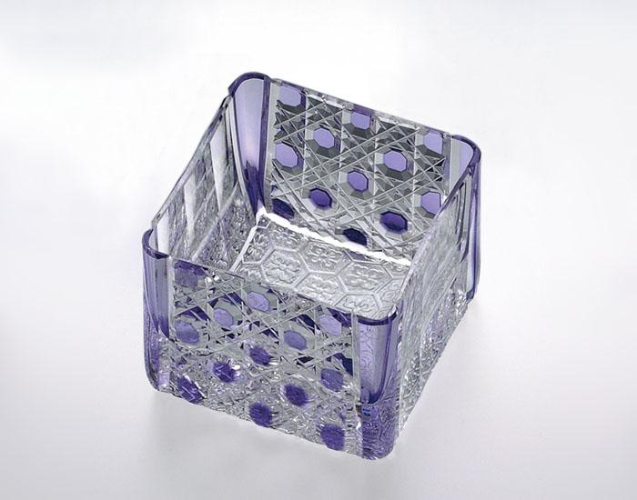 カガミクリスタル KAGAMI CRYSTAL T723-2616-CMP 江戸切子 升グラス 紫 70cc 木箱入り 〈八角籠目 紋〉 底面:亀甲花菱小紋