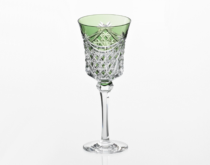 カガミクリスタル KAGAMI CRYSTAL ワイングラス 緑 江戸切子 幕襞に四角籠目 紋 170cc K3602-2835-CGR 木箱入り