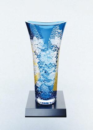 東洋佐々木ガラス 花器・フラワーベース (鉄線紋様)高さ27.5cm 木製花台付き 68920-H28 ハンドメイド