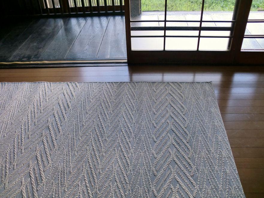ヨーロピアン クラシック 127×189 約 1.5畳 ラグ ベルギー製 フラットループ 平織 洗える ラグマット 北欧 カーペット 絨毯 おしゃれ 薄型 ウィルトン織 ホットカーペットカバー対応 折り畳み 灰色 グレー
