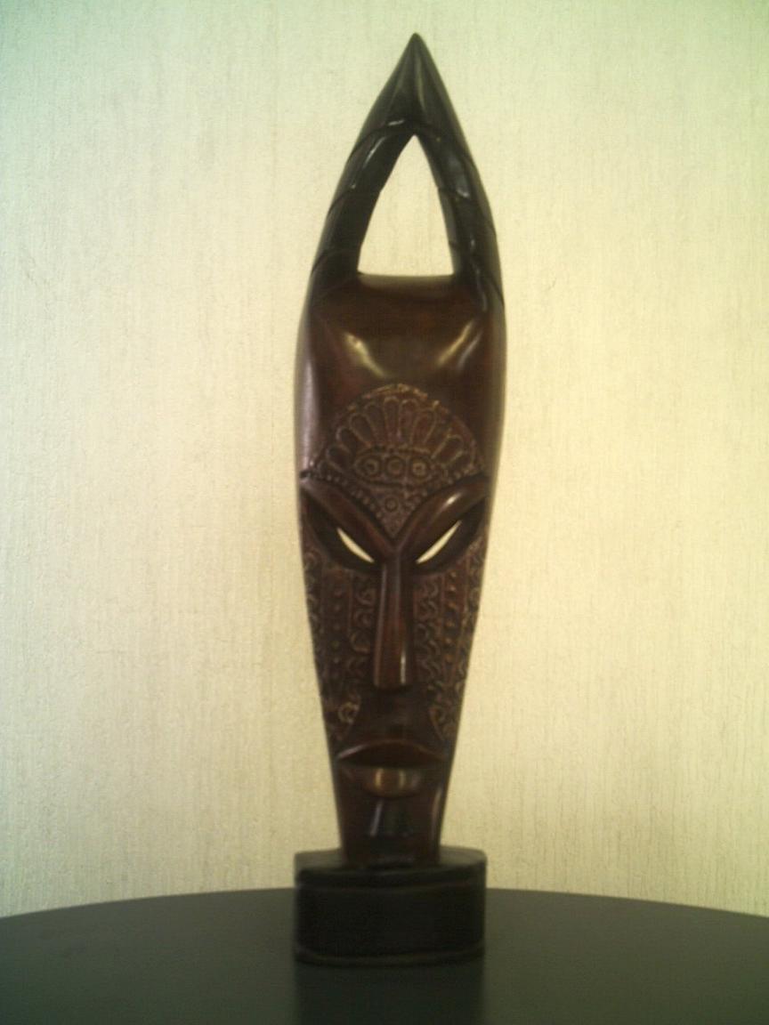 アフリカ彫刻立像仮面「角王冠」/頭顔置物マスク/オブジェ木彫 直接契約 テレビ台やラックの上に!