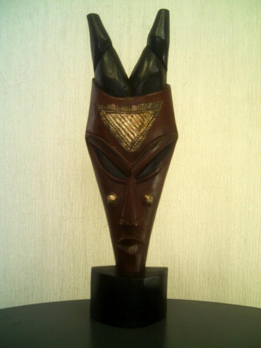 アフリカ彫刻立像仮面「愛情」/頭顔置物マスク/オブジェ木彫 直接契約 テレビ台やラックの上に!