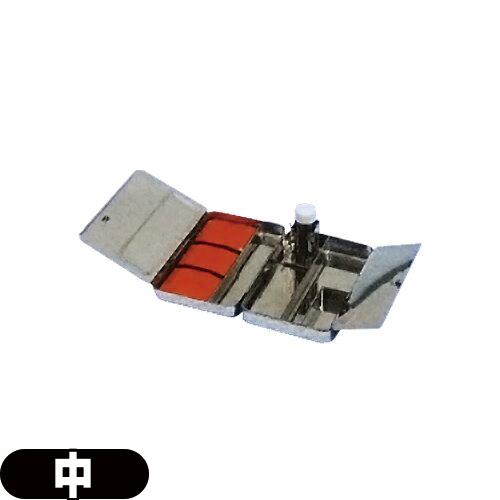 (鍼ケース/針ケース)前田豊吉商店 中型ケース(M40-100) - 真鍮、クロムメッキ製。