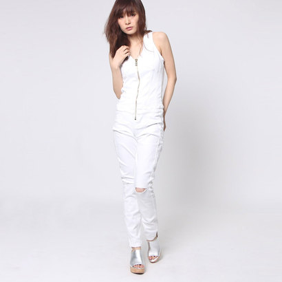 【アウトレット】ゲス GUESS MAXINE ZIP-UP DENIM JUMPSUIT (OPTIC WHITE W. SLITS)