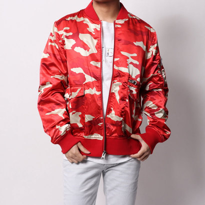 ゲス GUESS ALPINE CAMO BOMBER JACKET (TRADITIONAL CAMO RED)