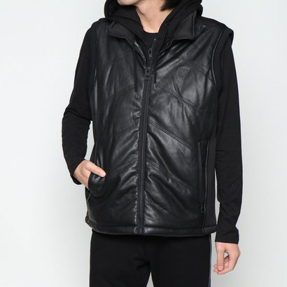 【アウトレット】ゲス GUESS JAXSON QUILTED FAUX-LEATHER HOODED VEST (JET BLACK)
