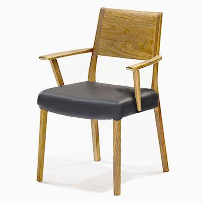 IDC OTSUKA/大塚家具 椅子 シネマ(肘付) B2タイプ ウォールナット材/WN2色 PVCブラック (ウォールナット)【返品不可商品】