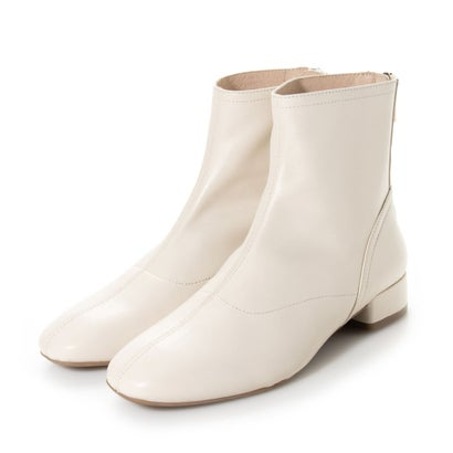 <title>あす楽 新品 送料無料 交換 返品可能 サヴァサヴァ CAVA レディースシューズ ブーツ ブーティ ロコンド cava やわらかレザーで履きやすいプレーンショートブーツ オフホワイト</title>