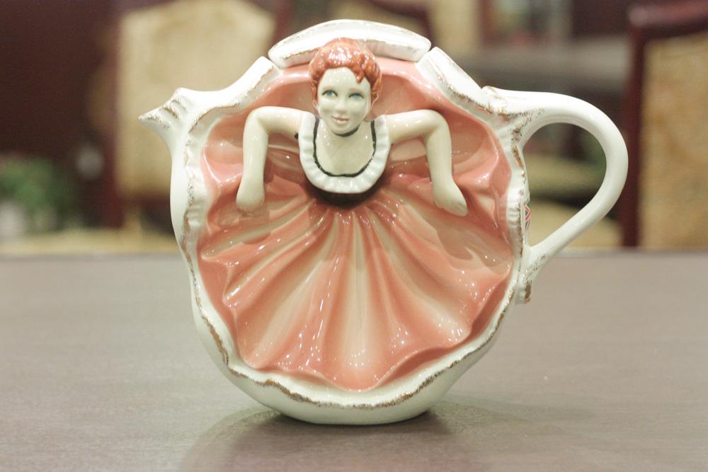 【中古】[紅茶専門店]カンカンガールのティーポット COLL-118【英国(イギリス)】【未使用】【装飾ティーポット】