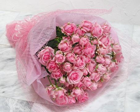 【送料無料!スプレー咲きの淡いピンク色バラ20本を花束にして カスミソウを入れて】【生花】【花束】【誕生日】【お祝い】【記念日】【フラワーギフト】【バラ】