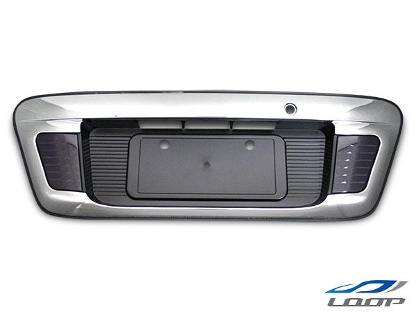 ハイエース レジアスエース 200系 LED内蔵リアナンバーガーニッシュ インナーブラック スモークレンズタイプ H16~