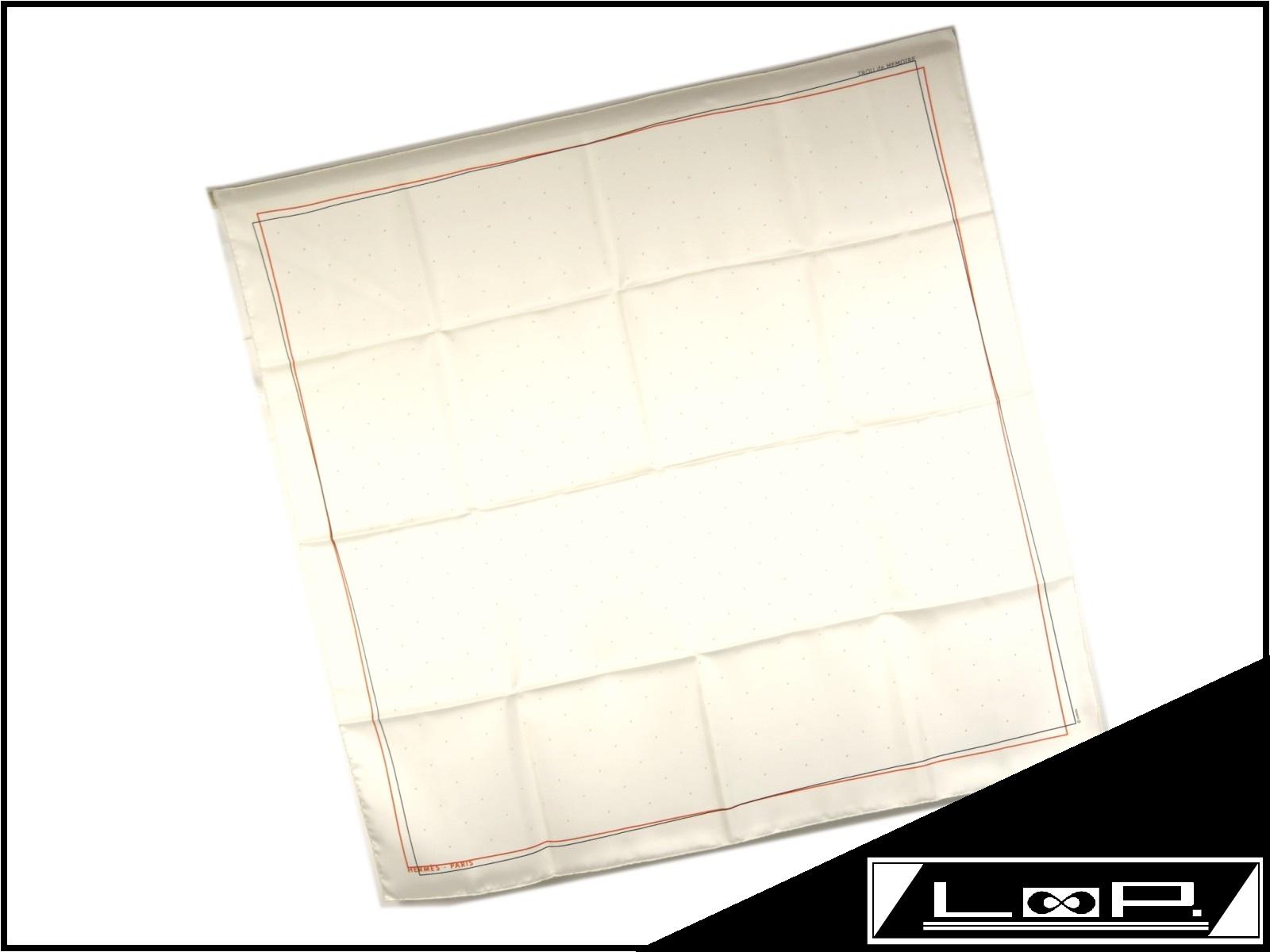【新同】 HERMES エルメス カレ 90 TROU de MEMOIRE スカーフ パンチング シルク オフ ホワイト 白 クリーム 【A21383】 【中古】