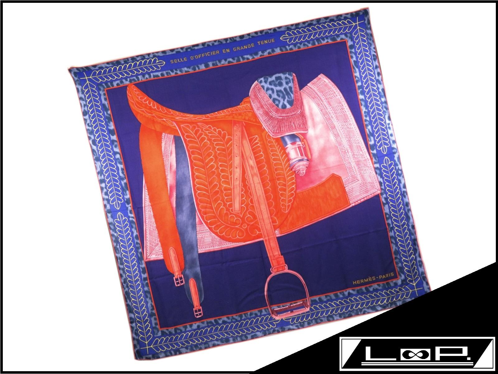 【新同】 HERMES エルメス カレ 140 Selle d'Officier en Grande Tenue 士官鞍の礼装 スカーフ カシミア ブルー オレンジ 【A22417】 【中古】