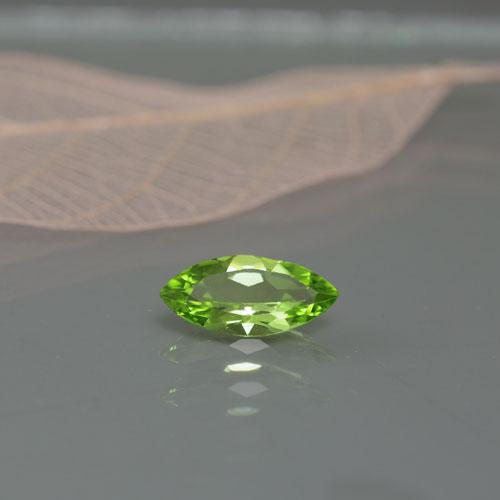 オリビン 鉄発色 レアストーン 8月誕生石 マーキース 新商品 ペリドット1.47ct B-0799R 橄欖石 ペリドート ルース 宝石 透明 稀少石 天然石 カット石 黄緑 割引 イブニングエメラルド