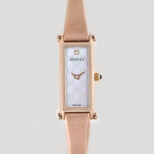 【期間限定ポイント10倍】グッチ 腕時計 レディース GUCCI 1500 ホワイトシェル YA015560