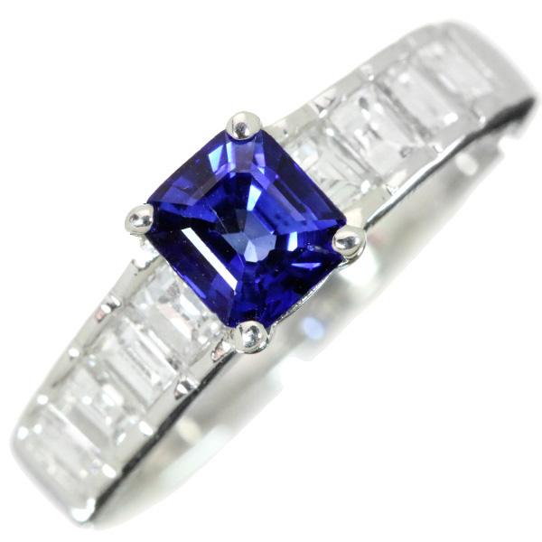 【10%OFFクーポン対象&P2倍】サファイヤ 0.740カラット リング/指輪 プラチナ900 PT900 上質の青 VSレベルの角ダイヤが並ぶアーム /青(ブルー)/【中古】/届5/ラックジュエル luckjewel/1点もの