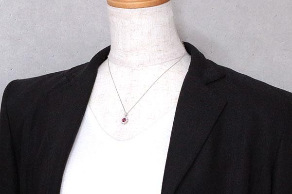 非加熱ノンヒート ルビー ネックレス 0 567カラット プラチナ PT900 PT850 美しい赤 ダイヤ取り巻き 鑑別書付rdCotsQhxB