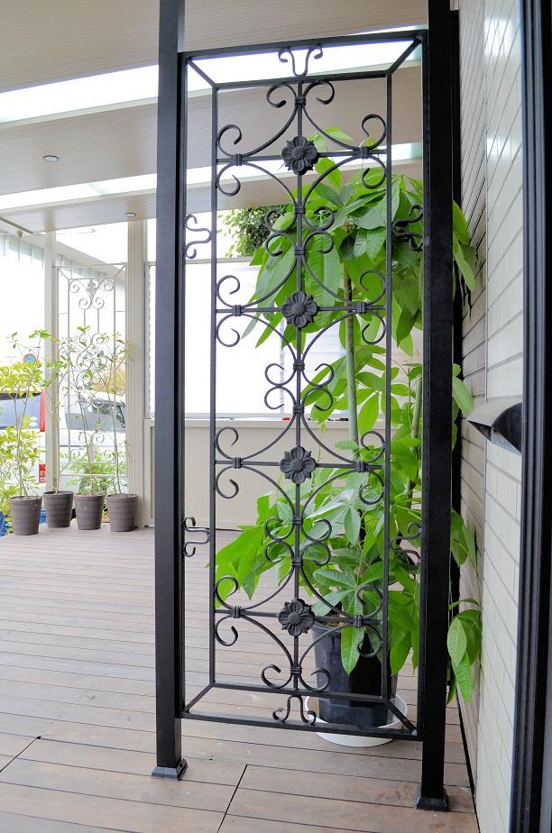窓 面格子 おしゃれ 窓格子 アルミ 目隠し 後付け アルミサッシ 防犯 内窓 室内 枠付き 小窓 フェンス エクステリア 外構デザイン 庭 リフォーム 家 外構 安い 激安 庭のリフォーム 玄関 アプローチ ロートアルミパネル RPA03