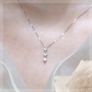 "K18 0.2 ct diamondsriestrnpendantnecklace""摇摆三部曲""-钻石发光保证-"