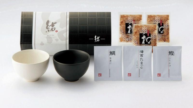 引き出物 《》 日本の味をモダンに楽しむ日々の器 黒と白のモダンなペアどんぶり 引出物 ぺあDON 10B 送料0円 ついに入荷 引き菓子