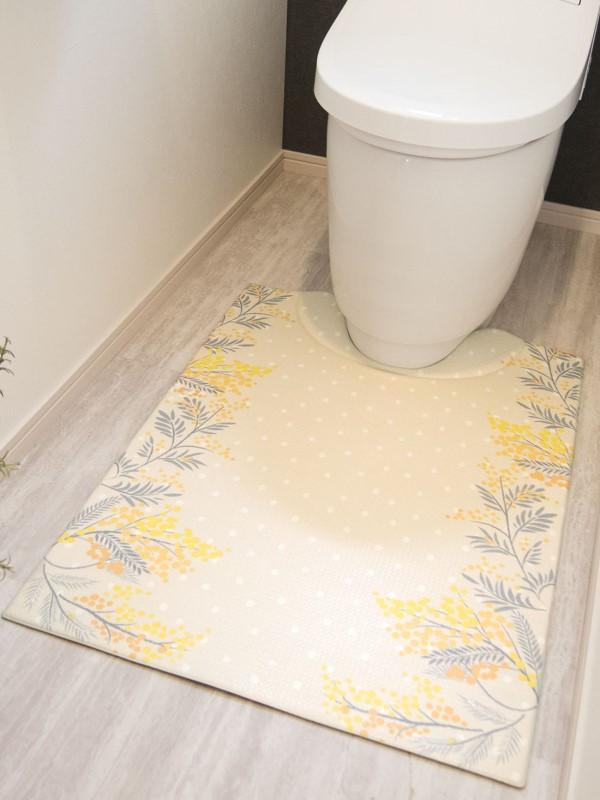 新色追加 流行 床と便器のすきまをしっかりガードするトイレマット 汚れたら拭き取るだけで洗濯不要お手入れ簡単 スキマにピタっ 拭ける PVC ロングトイレマット 約80×60cmミモザアイボリー 撥水 滑り止め 拭くだけ ぷにぷに おしゃれ 洗濯不要 PVC北欧 防水