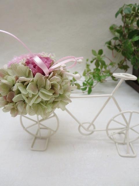 ワイヤー自転車アレンジ 自転車のカゴにおはながいっぱい プリザーブドフラワー 付与 ギフト 自転車アレンジ ピンク お誕生日 結婚祝い お祝い 超特価 母の日