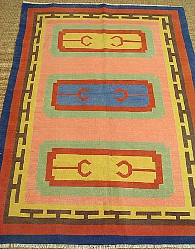 キリム 草木染 上質ウールと熟練の手織りコンヤ産