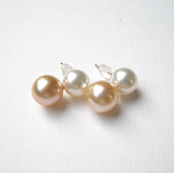 直線2個 白蝶真珠 ゴールデン ホワイト K18ピアス8.5-9.0mm 【神戸ジュエリーフェア】