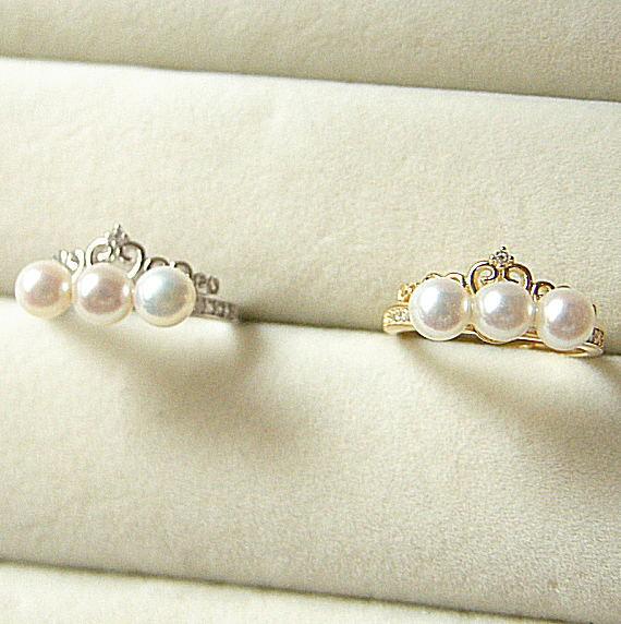 ホワイト丸玉 淡水真珠 直線3個 SVティアラデザインCZ入りリング5.0mm