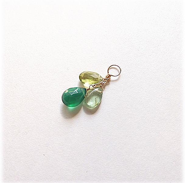 グリーン天然石 3種類 新作アイテム毎日更新 K10 チャーム グリーンオニキス 祝日 ペリドット ジュエリー グリーンカイヤナイト
