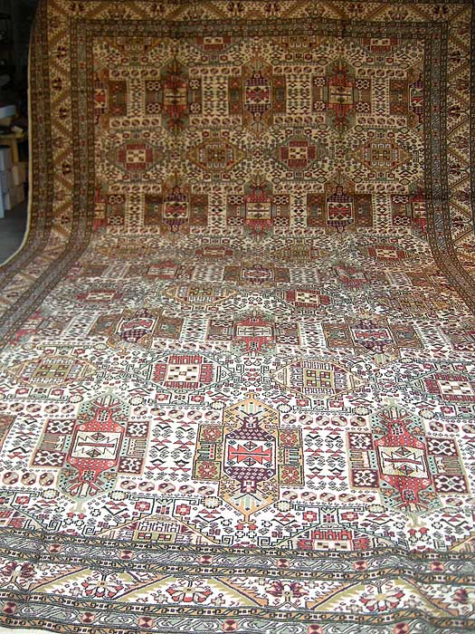 The Best Lay A Real Fancy Hand Woven Carpet Interiors