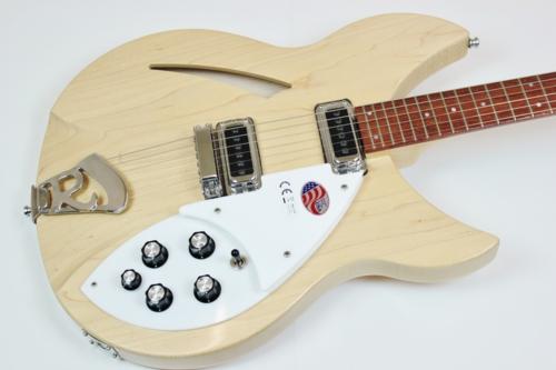 Rickenbacker Model 330 Mapleglo 【新品アウトレット特価】