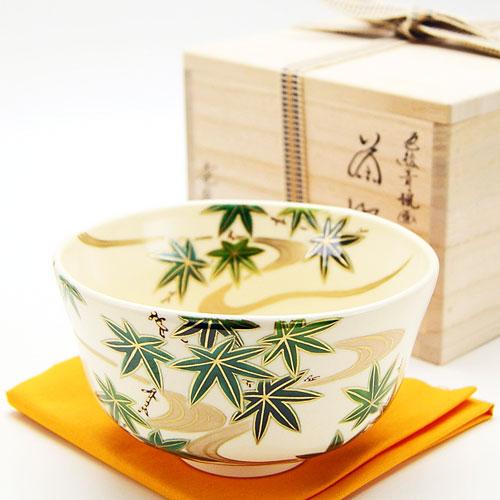 繭形の茶碗に散りばめられた青楓が綺麗な色絵茶椀です 抹茶碗 激安通販販売 青楓 茶道具 夏物 お気に入り