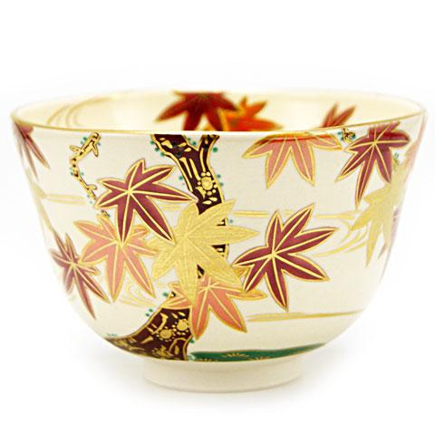初回限定 色とりどりで鮮やかな紅葉を描いた秋物の色絵の抹茶茶碗です 抹茶碗 色絵 評価 紅葉 茶道具 相模竜泉作 秋物