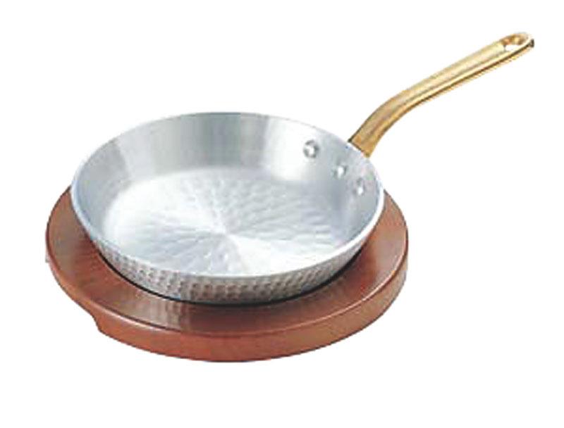 日本製 厚板 アルミ 材採用 パエリア 片手 鍋 24cm 高 熱伝導率 高 蓄熱性 自宅でも使える プロ仕様 アウトドア でも大活躍! 業務用 可