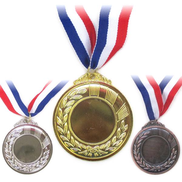 表彰式には欠かせない金 銀 銅メダルのイミテーションです ゴルフコンペや野球 サッカー等のスポーツ競技や演奏会 カラオケ コンテスト等を盛り上げよう 金メダル 銀メダル 銅メダル 単品販売 現品 表彰 1p210円 運動会 マジックナイト 景品 3p510円 コンテスト メダル授与 物品 PA1092 2p350円 定形外発送可 イベント ゲーム