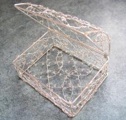 花材 花器 永遠の定番 ワイヤーバスケットフタ付1個 シルバー ファッション通販