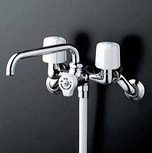 【最安値挑戦中!最大25倍】シャワー水栓 KVK KF104W 一時止水付2ハンドルシャワー 寒冷地用