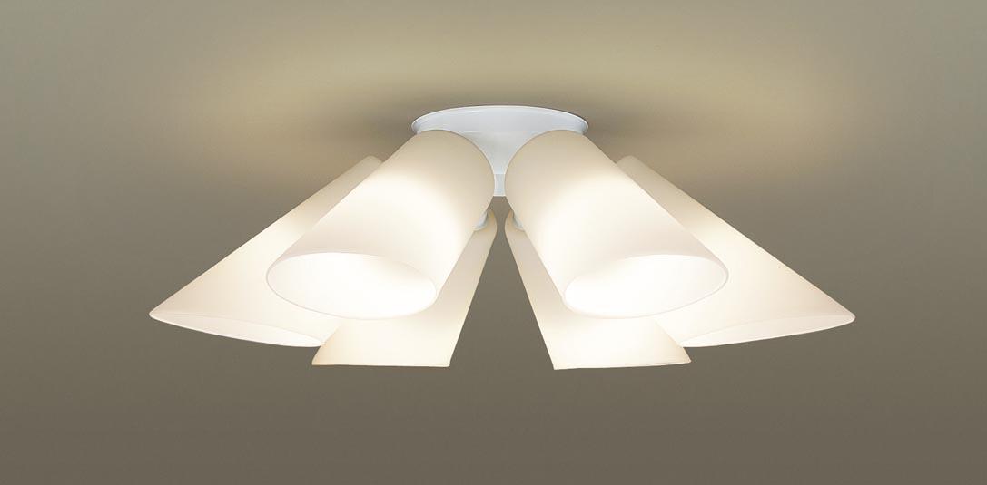 【最安値挑戦中!最大24倍】パナソニック LGB57601K シャンデリア 天井直付型 LED(電球色) 白熱電球40形6灯器具相当 ~6畳 [∀∽]