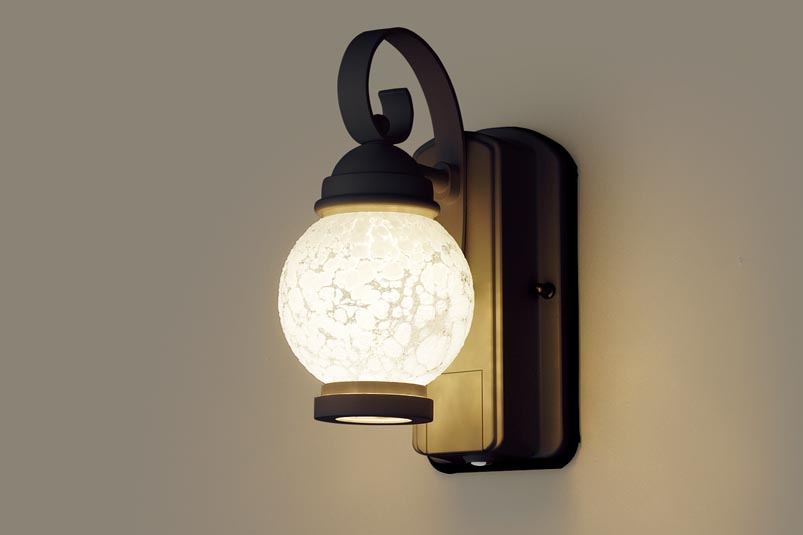 【最安値挑戦中!最大34倍】照明器具 パナソニック LGWC80251LE1 ポーチライト 壁直付型 LED 電球色 60形電球1灯相当・密閉型 防雨型・FreePaお出迎え [∀∽]