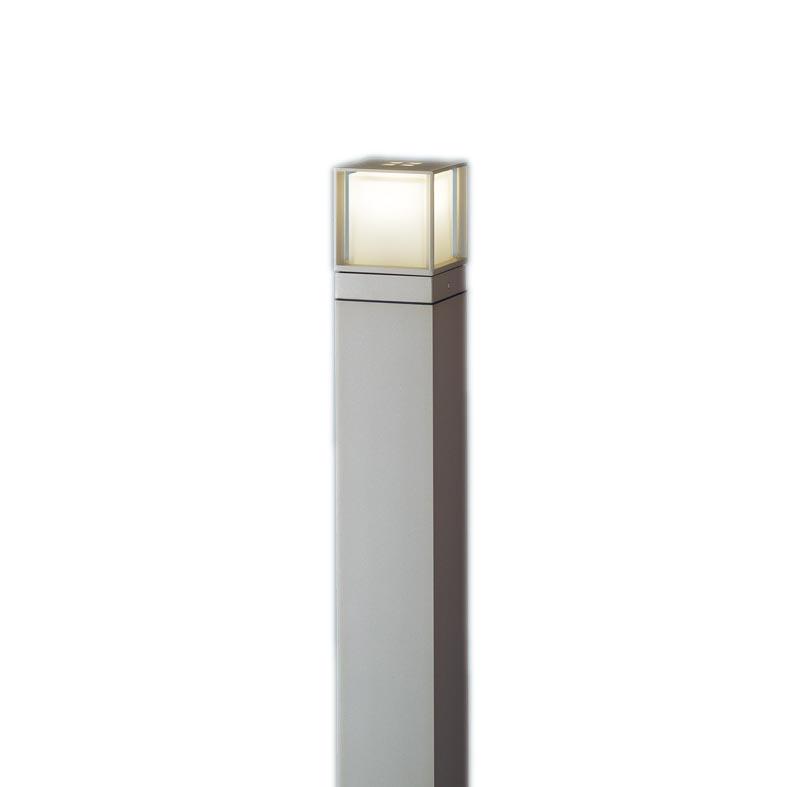 【最安値挑戦中!最大34倍】パナソニック XLGE540YHZ エントランスライト 地中埋込型 LED(電球色) 防雨型/地上高1000mm 白熱電球40形1灯器具相当 プラチナ [∽]