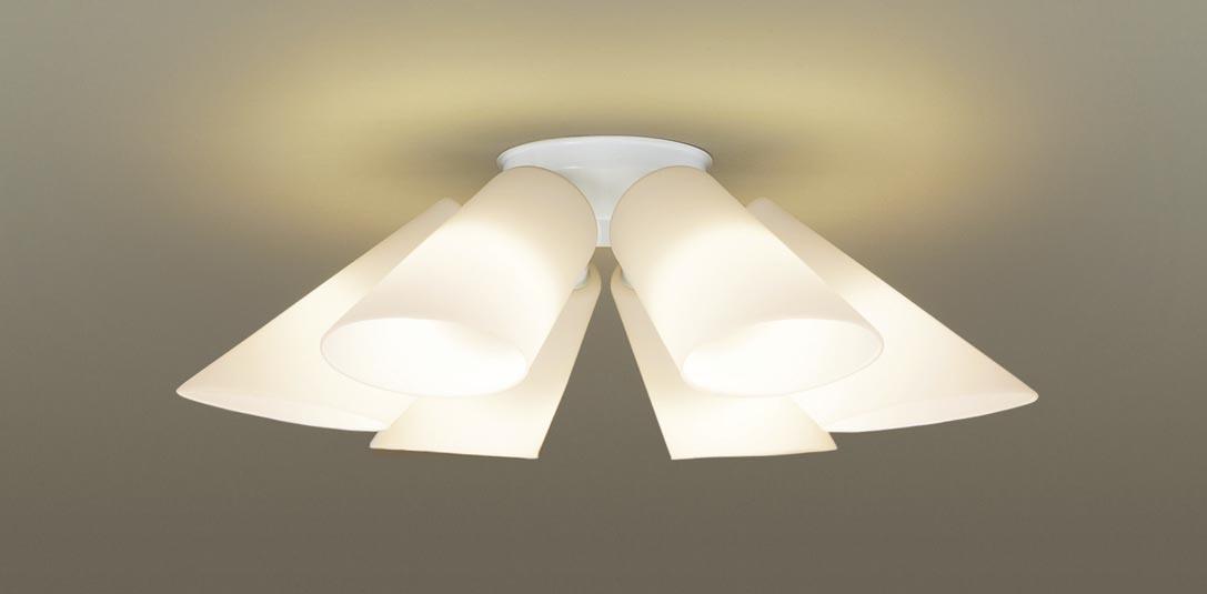 【最安値挑戦中!最大34倍】パナソニック LGB57611K シャンデリア 天井直付型 LED(電球色) 白熱電球50形6灯器具相当 ~10畳 スノーホワイト [∀∽]
