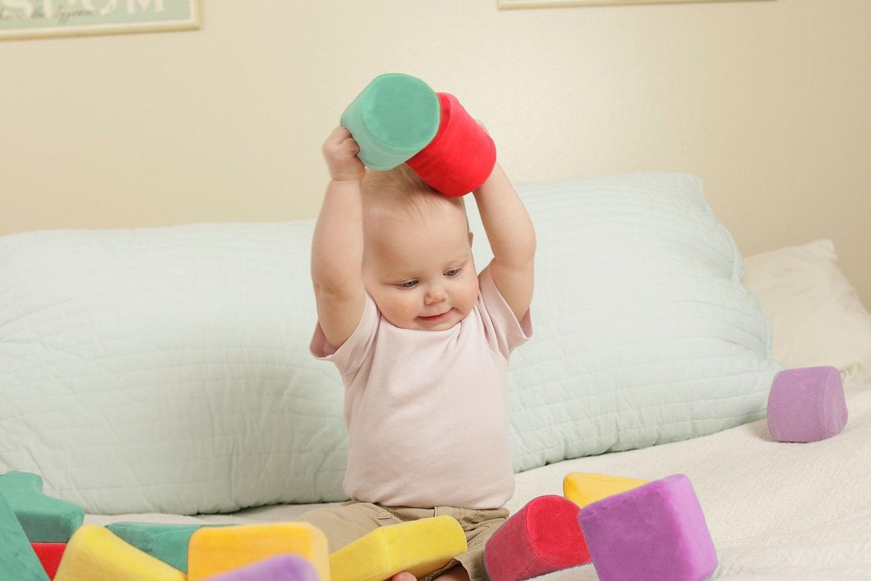 やわらかいブロックで、赤ちゃんもつかみやすい&安全!出産祝いにもおすすめ! ★送料無料!★ラッピング可!布製 『ふわふわベビーつみき』【出産祝い】